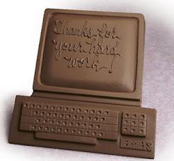 Asi ven los viciosos al internet y amantes del chocolate al computador xdd