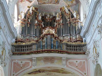 Ochsenhausen+klosterkirche+Organ.JPG