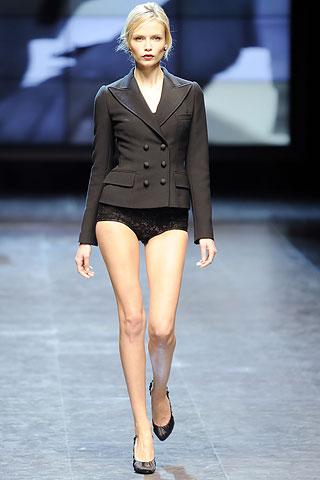 model Long skinny legs