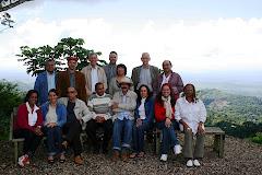 Con el Dr. Bruno Rosario Candelier y parte del Ateneo Insular