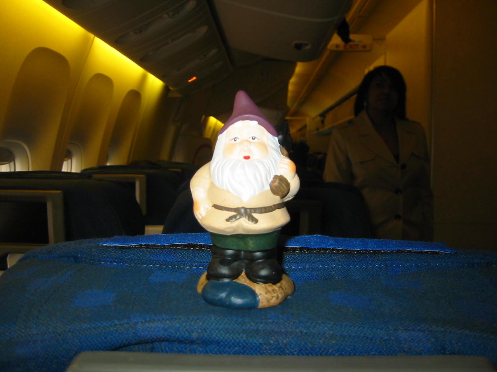 http://1.bp.blogspot.com/_e-i4iqimQZs/S8z3Mb6hwRI/AAAAAAAAAK0/Ai2gF9LwuPs/s1600/travelling+gnome.jpg