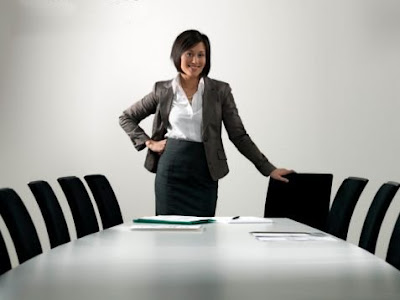 http://1.bp.blogspot.com/_e1sAB0UT3EA/SkreuVovqFI/AAAAAAAAAIE/Z4onZUuQLpo/s400/tenaga+kerja+wanita.jpg