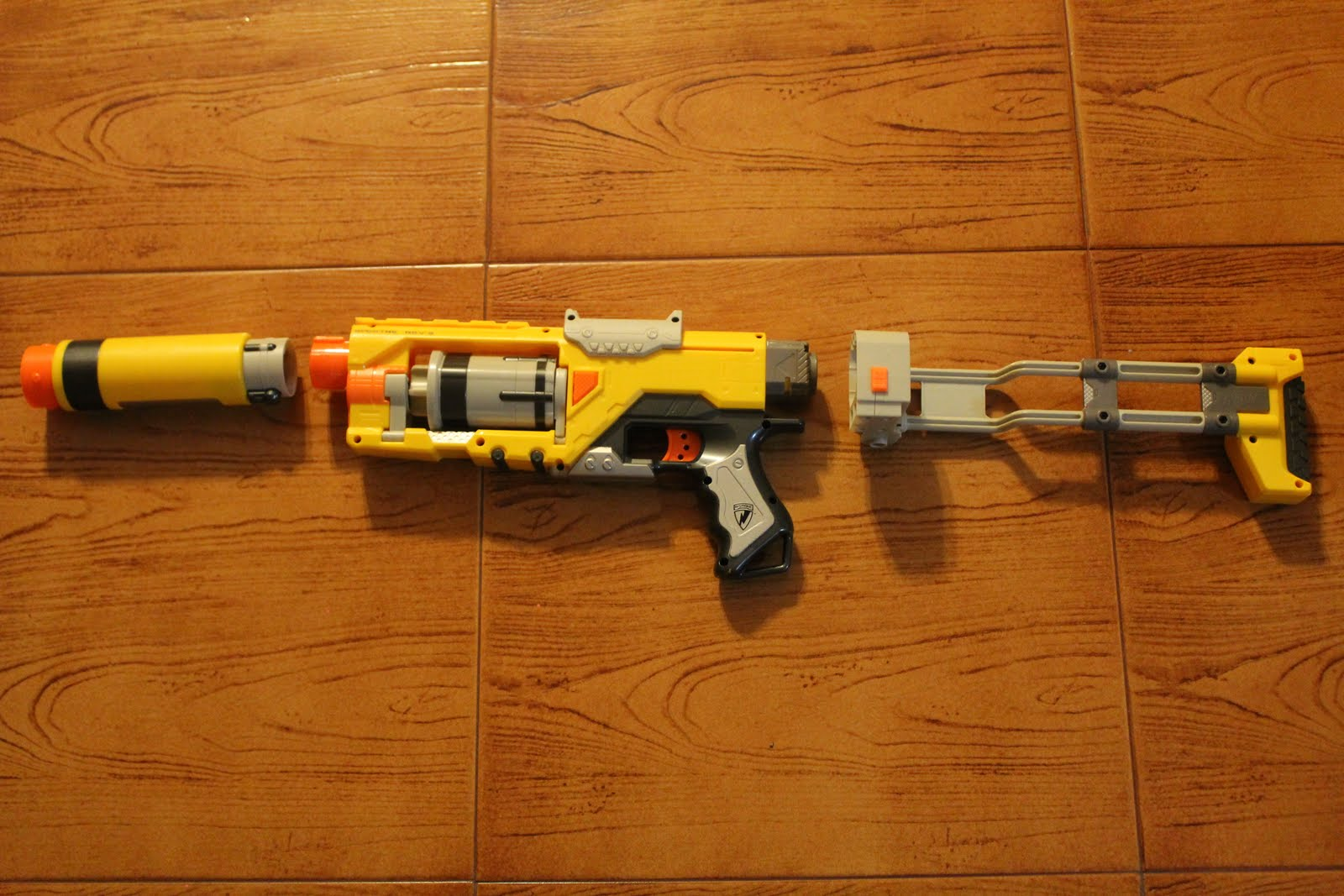 Toys R Us Nerf Guns : Nerf bored people with guns september