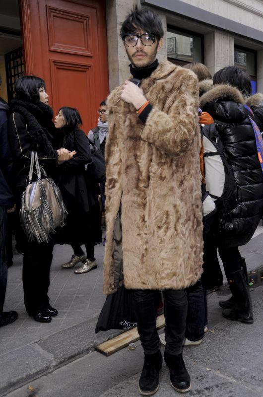 Mandragora: Malas Ideas. 3) El abrigo de piel para hombre.