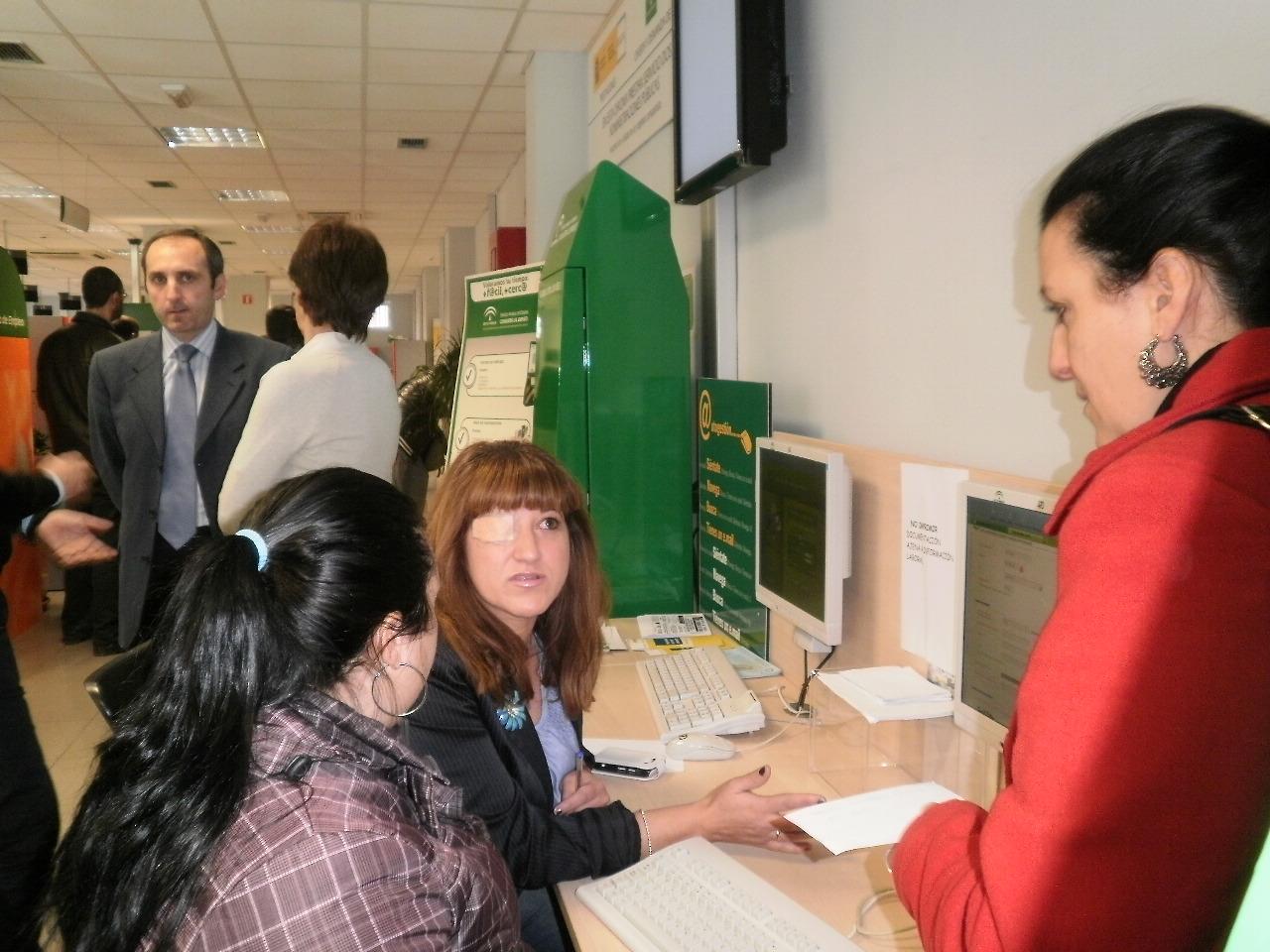 La oficina del sae del zaid n estrena el servicio de cita for Oficina desempleo cita previa