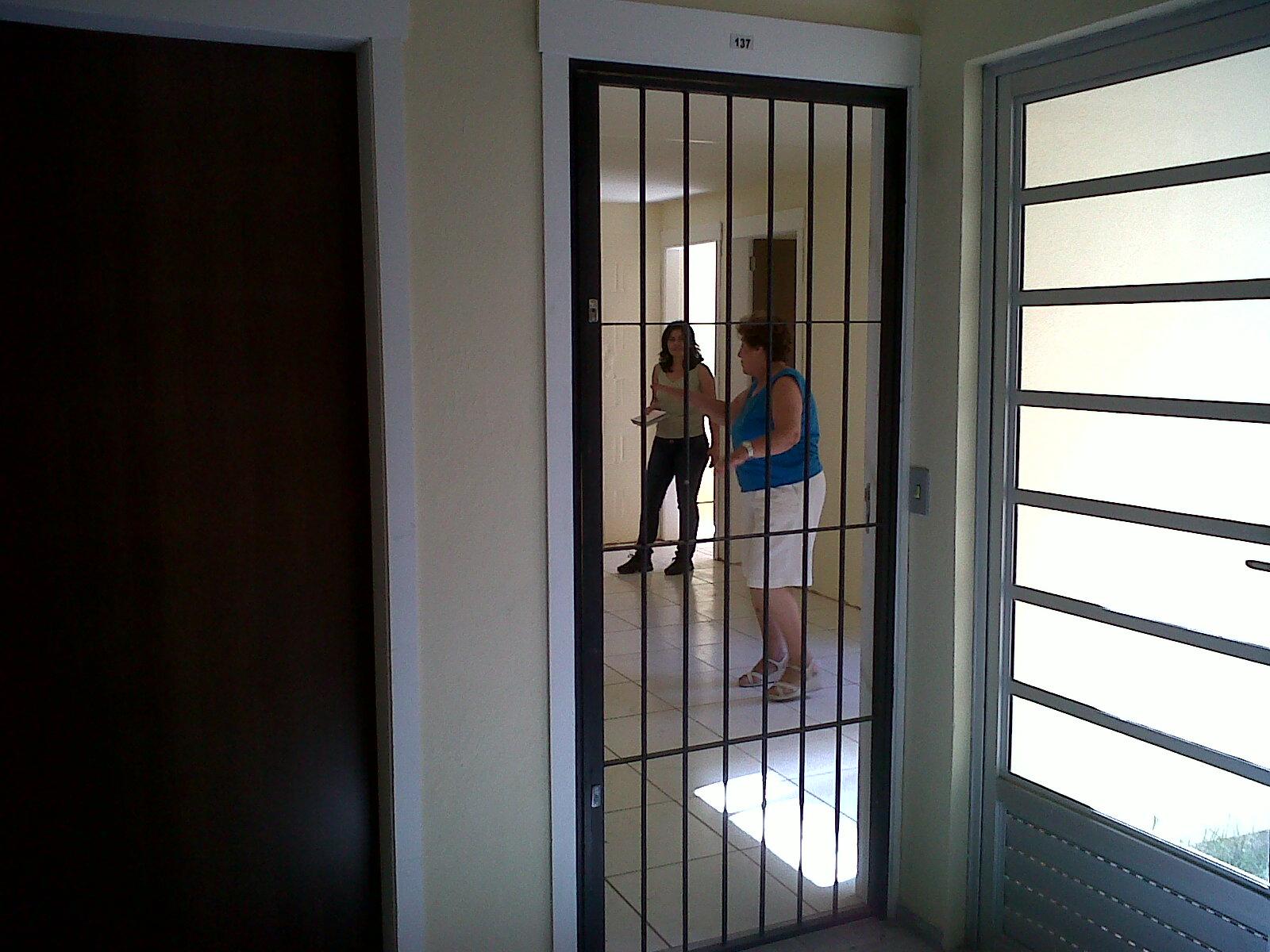 #697853  26 de Março: Modelo de Grades Individuais para os Apartamentos 4124 Grade De Aluminio Para Janela De Apartamento