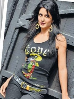 Katrina-Kaif-Hot-Wallpapers-For-Mobiles-39