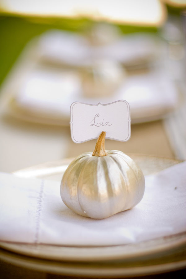 DIY Pumpkin Place Cards | Pinterest Picks - DIY Pumpkin Ideas