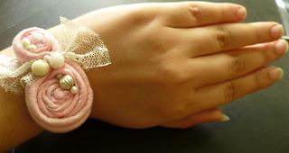 Rolled Rose Fabric Wrist Corsage Tutorial by Jewels od Sayuri