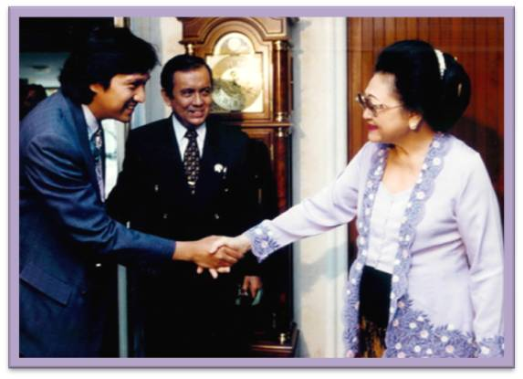 Ibu Tin Soeharto & Ikang Fawzi di Cendana, KPPRI