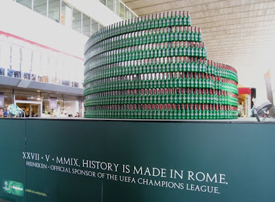 Roman Colosseum out of Heineken bottles pic2