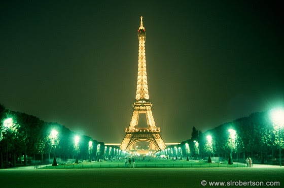 Popular destinations all around the world 5 best tourist for Places to stay near eiffel tower