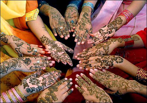hena tattoos. Henna Tattoos Gallery 2011