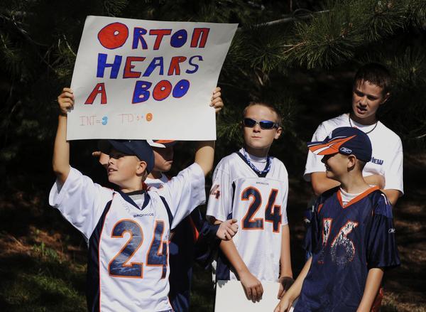 [Orton+Hears+a+Boo]