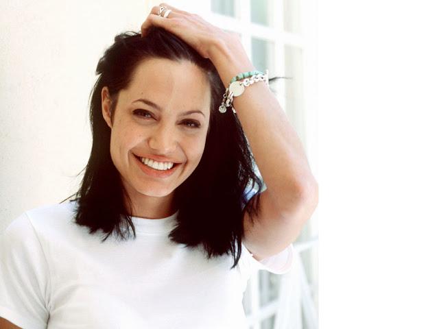 Angelina-Jolie-Wallpapers-104