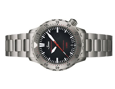 New Sinn - U200 - fights the large watch trend U200+02
