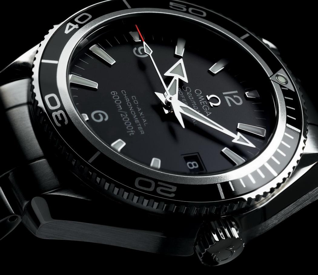 http://1.bp.blogspot.com/_eAZMZQV5eiE/TMqioUm3YLI/AAAAAAAAMOI/V5t8ZKVrqzc/s1600/James+Bond+%27Blood+Stone%27+%26+Omega+PO+08.jpg