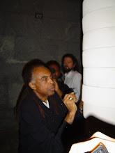 O Ministro da Cultura Gilberto Gil deixa seu registro grafico.