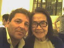 Piassa e Tomie Ohtake.