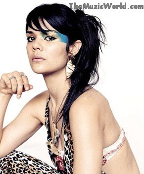 STRANGE LOVE : NATASHA KHAN (BAT FOR LASHES)