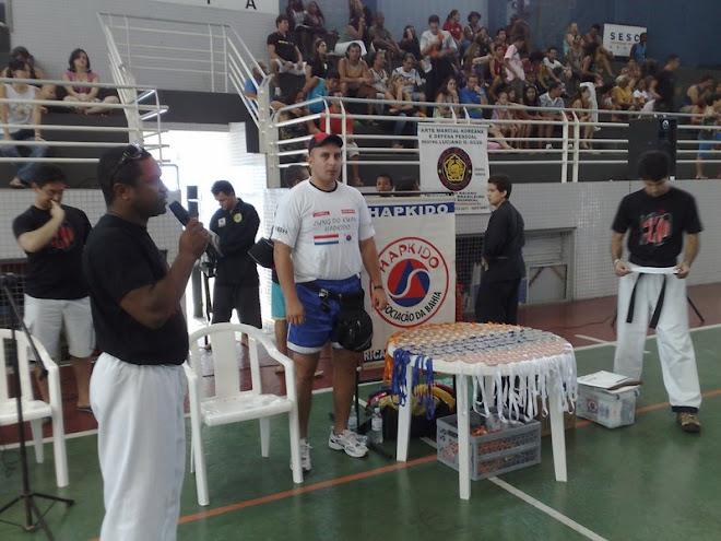 Bahia Brasil-Prof. Rene Olmedo 3 medallas. 2 de plata 1 de oro. Lucha y Defensa Personal.
