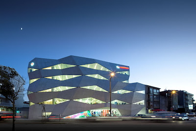 Z Tech 10: Luxury Architecture Building Vodafone Office by Barbosa ...