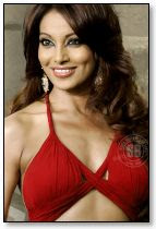 Hot Bengali Actress Bipasha Basu