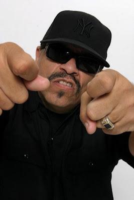 Rapper Ice-T trabalhando com novato do Brooklyn