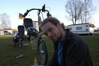Falk sitzt in Deggendorf