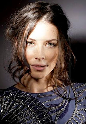 1.3 Revolution! Evangeline+Lilly+-+Gerard+Giaume+L%E2%80%99Oreal+Photoshoot+-+Cannes+2009+004