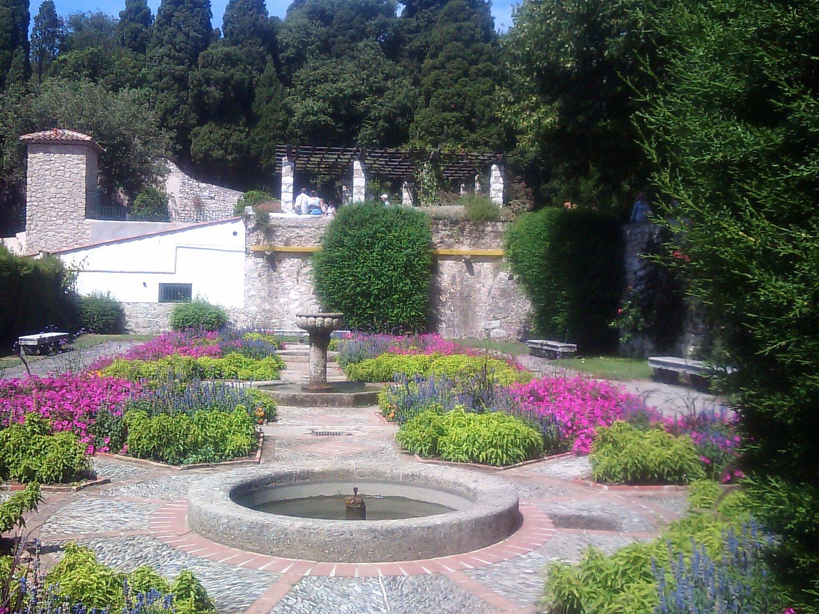 jardins cosmopolites  nice  jardin du monast u00e8re de cimiez
