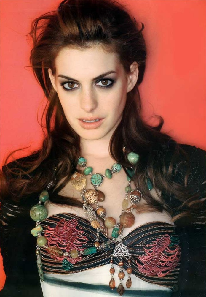Here Are Some Photos Of Actress Anne Hathaway Who Will Play Selina