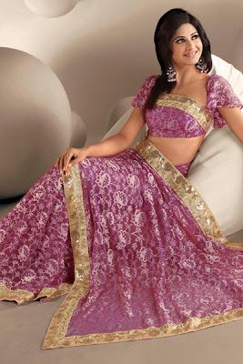 http://1.bp.blogspot.com/_eK8k4SxSj_E/S1hHfKwWTsI/AAAAAAAAAHA/dQGLVtqlEqg/s400/Pink+color+Bridal+Saree.jpg