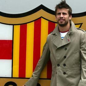 [Barca_confirma_fichaje_Gerard_Pique.jpg]