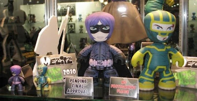 Kick-Ass Mez-Itz by Mezco Toyz - Kick-Ass & Hit-Girl Mez-Itz Vinyl Figures Sneak Peek