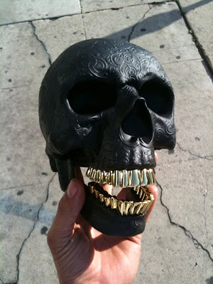 Kidrobot Black Skull by Russ Karabalan / SSUR