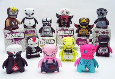 BIC Plastics - BIC Buddy Mini Vinyl Figure Artist Series 1 and Packaging