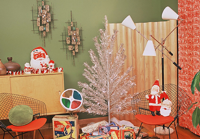 rhan vintage mid century modern blog ideas for a mid century christmas. Black Bedroom Furniture Sets. Home Design Ideas