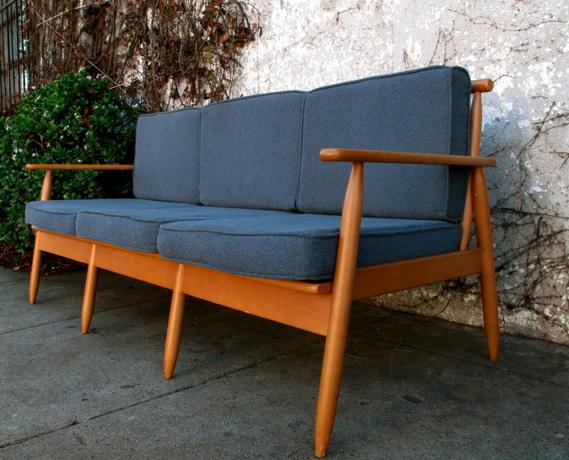 rhan vintage mid century modern blog mid century modern sofas. Black Bedroom Furniture Sets. Home Design Ideas
