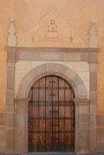 Puerta de entrada del Convento
