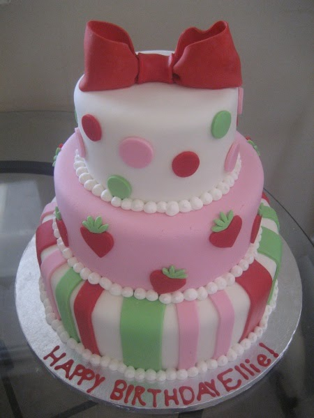The Frosting Shoppe: Strawberry Shortcake Birthday Cake