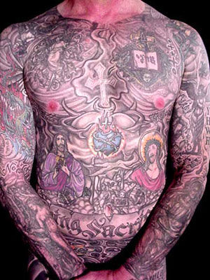 A full tattoo sleeve,which covers an arm from shoulder to wrist,is rather