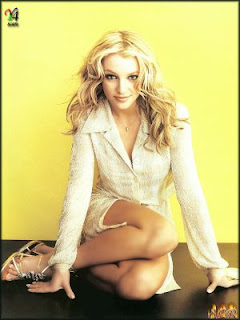 britny spears legs crossed