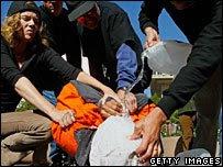 ahogamiento simulado contra prisionero