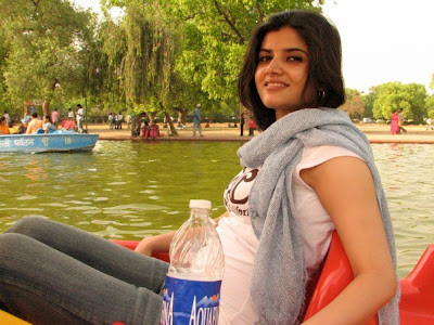 Indian And Pakistani Girls All Over The World Sey Subani Gautam From