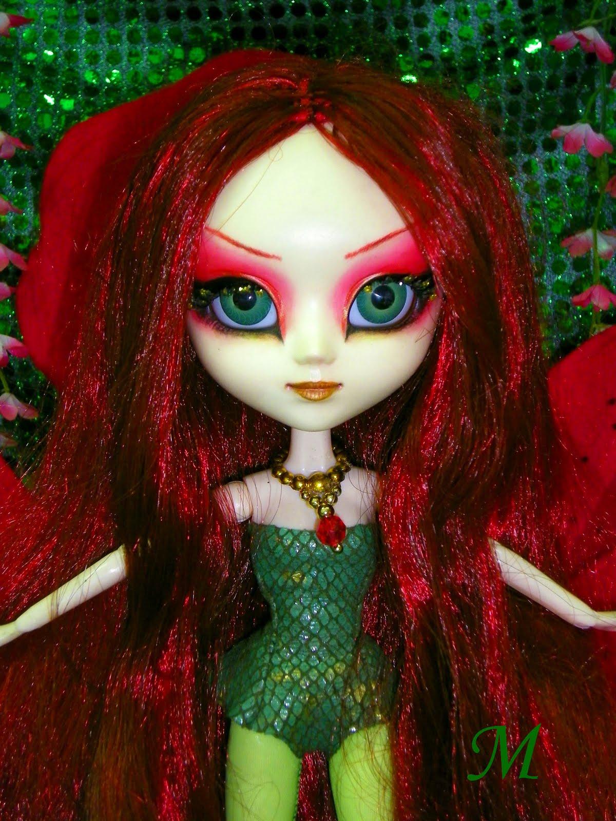 http://1.bp.blogspot.com/_eU4O8WcvNJk/THxUeBqquSI/AAAAAAAAQV0/DNHCFZLniUM/s1600/Poison+Ivy+9.jpg