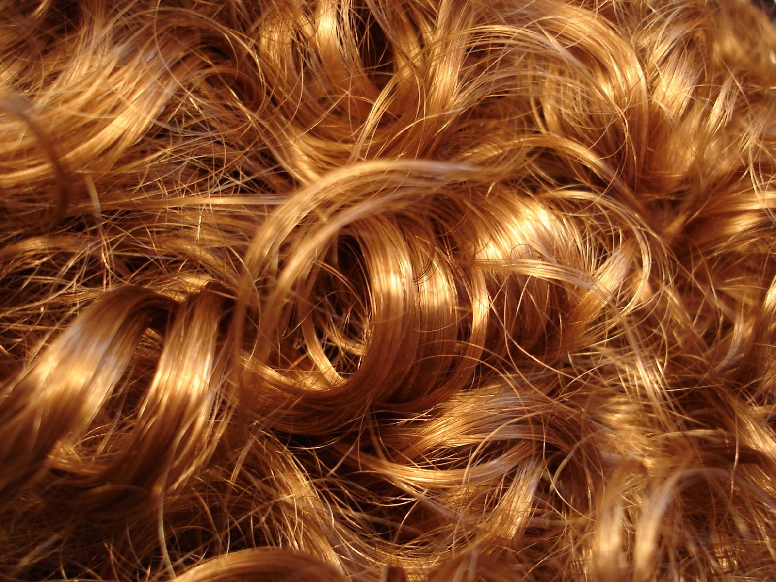 HJ03 Design Practice: Wig Maker Identity