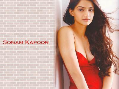 Kareena Kapoor Hot Wallpapers In Bikini. hot actress wallpaper. hot
