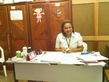 Orientação da escola- Professora Lívia Flora