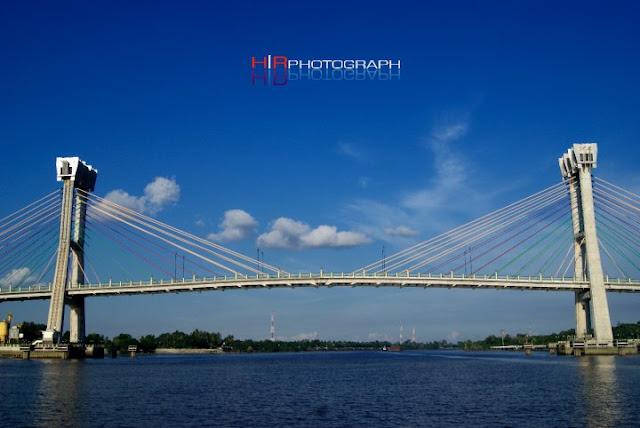 http://exposedigitalphoto.blogspot.com/
